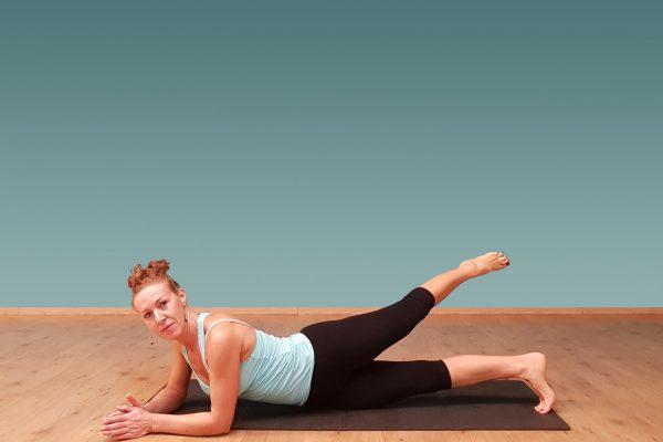 postura, stimolazione gluteo gamba superiore e interno coscia gamba inferiore